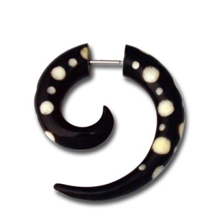 Pseudo-Piercing Spirale aus Wasserbüffelhorn, gepunktet