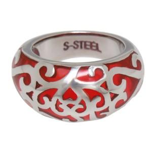 Stahlring mit rotem Acryl ausgefüllten Ornamenten