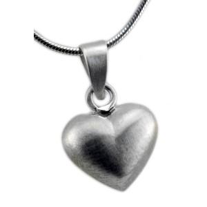 Herzförmiger mattierter Anhänger aus 925 Silber