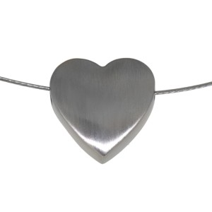 Herzförmiger Anhänger aus Edelstahl