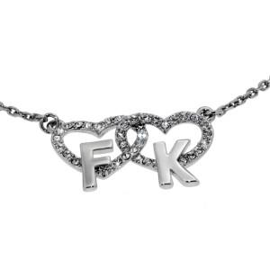Halskette mit Kristallen und Buchstaben