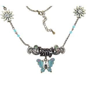 Halskette mit Schriftzug und Schmetterling