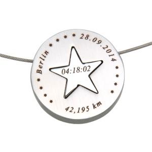 Anhänger aus Edelstahl, rund, zweiteilig mit Stern in der Mitte und individueller Gravur