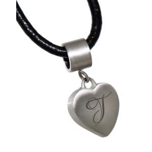 Herzförmiger Edelstahl Anhänger mit Ihrer Wunschgravur