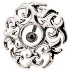 Bauchnabel Piercing mit einem keltischen Motiv, rund