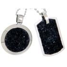 Partneranhänger aus Edelstahl mit schwarzen Mineralien besetzt und individueller Gravur